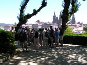Rally crews enjoy a guided tour around Santiago