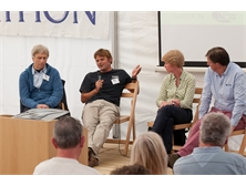 Learn from the experts at boat show forums around the world